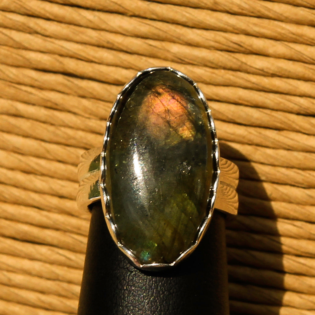 Labradorite Cabochon and Sterling Silver Ring (SSR 1036)