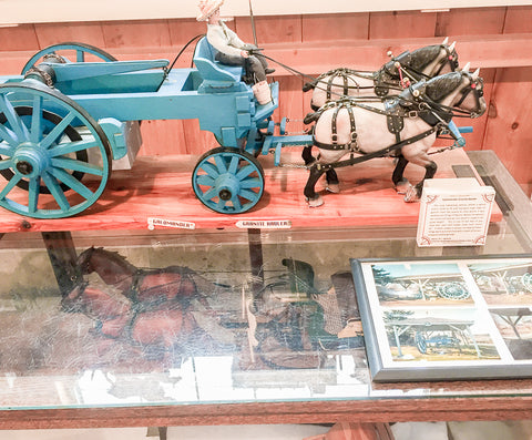 Triple Mountain Breyer model horse and carriage exhibit at Skyline Farm Granite Hauler by EC Russell