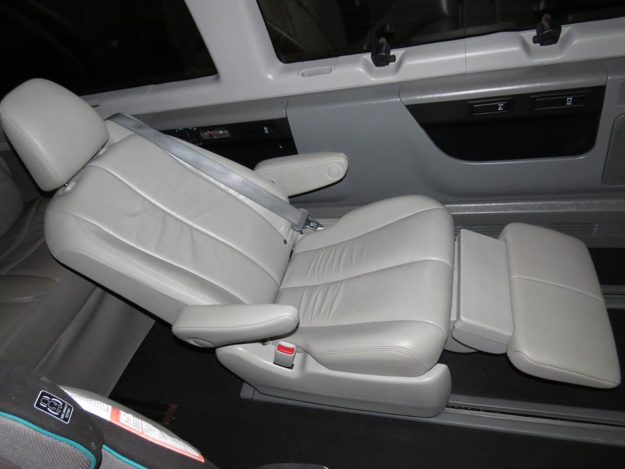 Replacement Toyota Sienna OEM Recliner Rear Seats w ...