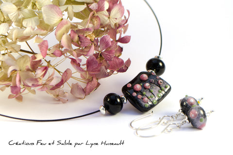 Meadows in Bloom - Earrings - Pink on Black