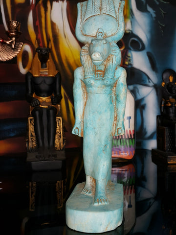museum-quality-hathor-human-form-fiance-style-reproduction-made-in-egypt