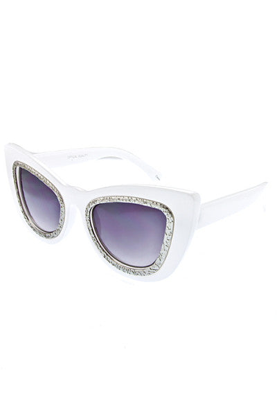 ICONIC CAT EYE SUNNIES