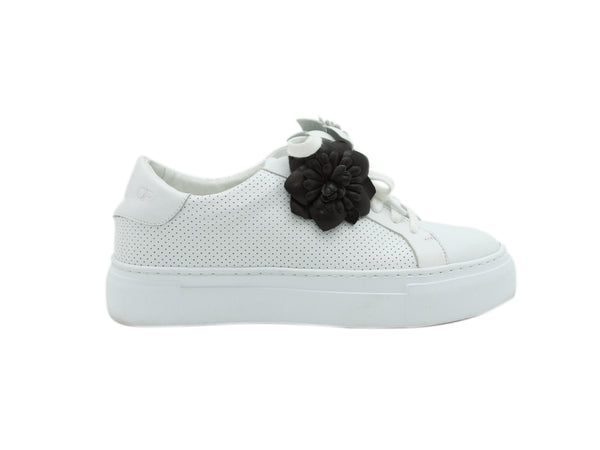 White Anne Fontaine Rosette-Accented Sneakers