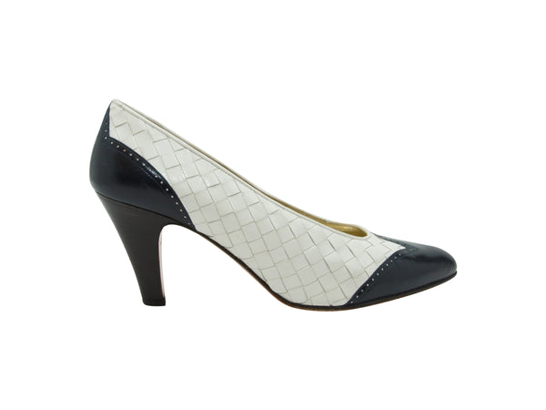 White & Navy Bottega Veneta Intrecciato Pumps