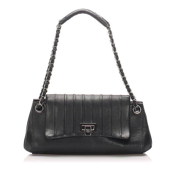 Black Chanel Reissue Lambskin Leather Shoulder Bag