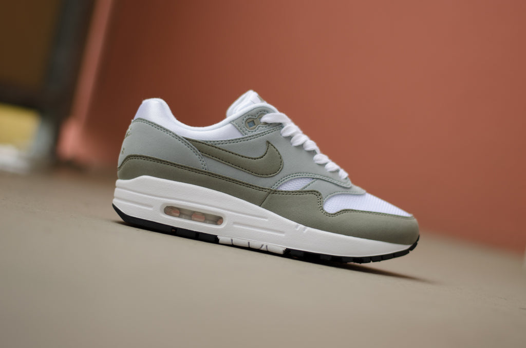 3600b82f227a50 Nike Women s Air Max 1! 12.03.18. Posted by Seven sneaker store ...