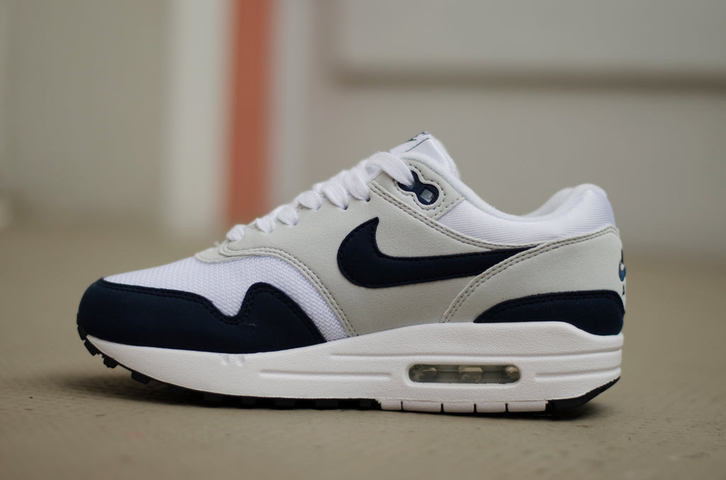 Nike Women's Air Max 1 (White/Pure Platinum/Black/Obsidian) 319986-104