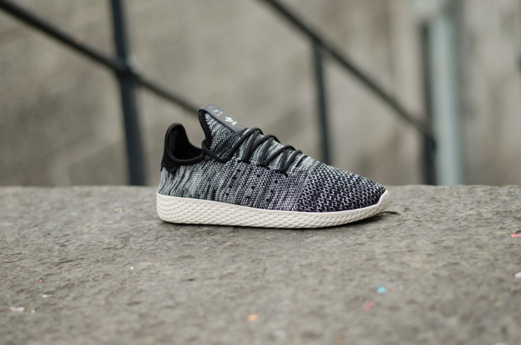 Adidas Pharell Williams Tennis Hu Primeknit Oreo