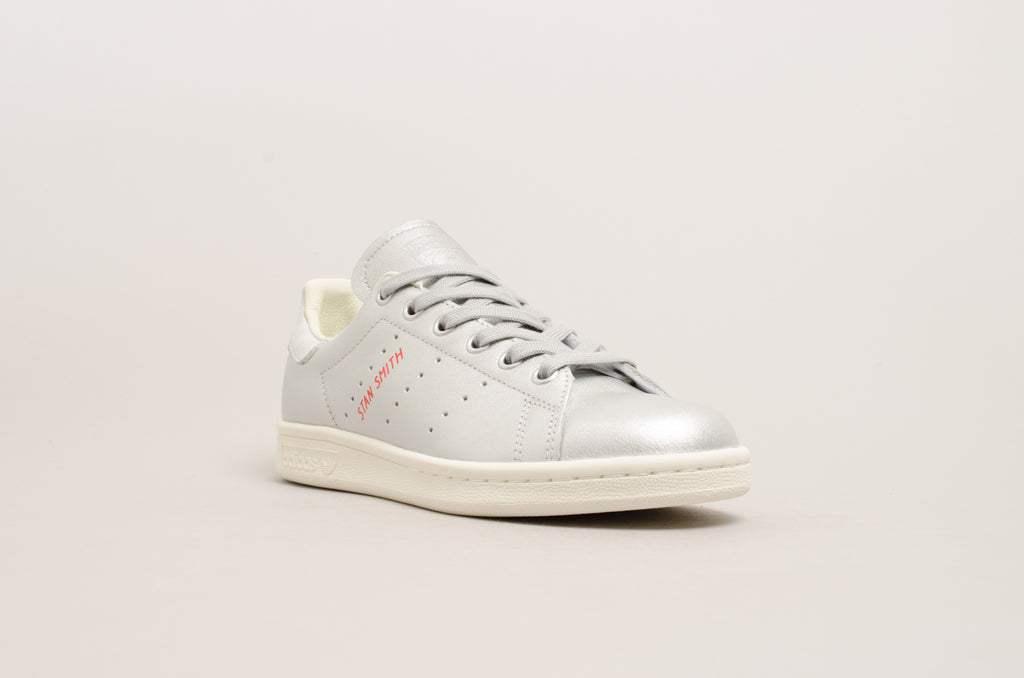 the latest b5f52 0e01a ... Adidas Stan Smith W ( Silver ) B41750 ...