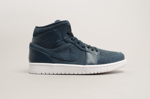 Air Jordan 1 Mid Armory Navy 554724-421