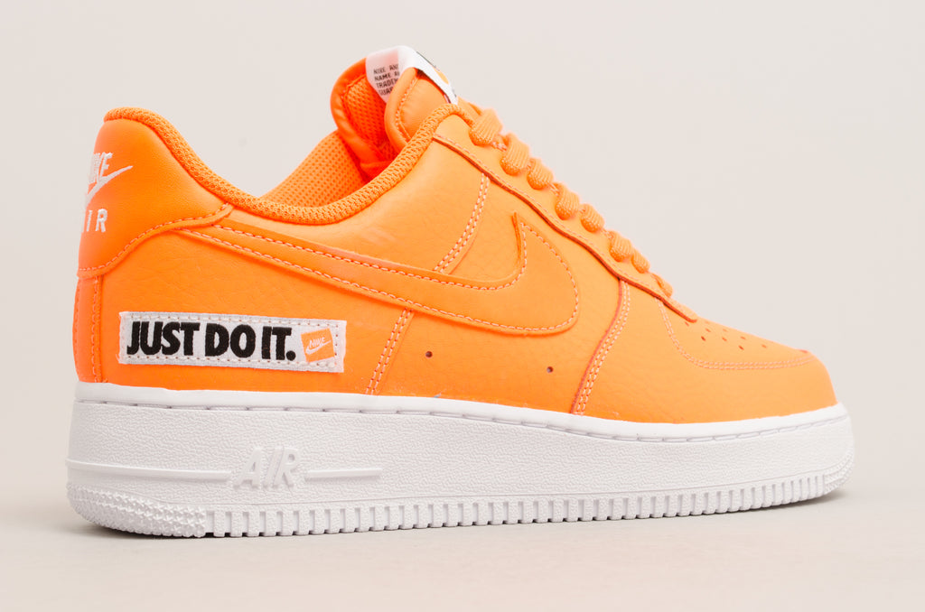 Nike Air Force 1 '07 LV8 Just Do It Leather ( Orange / White ) BQ5360-800