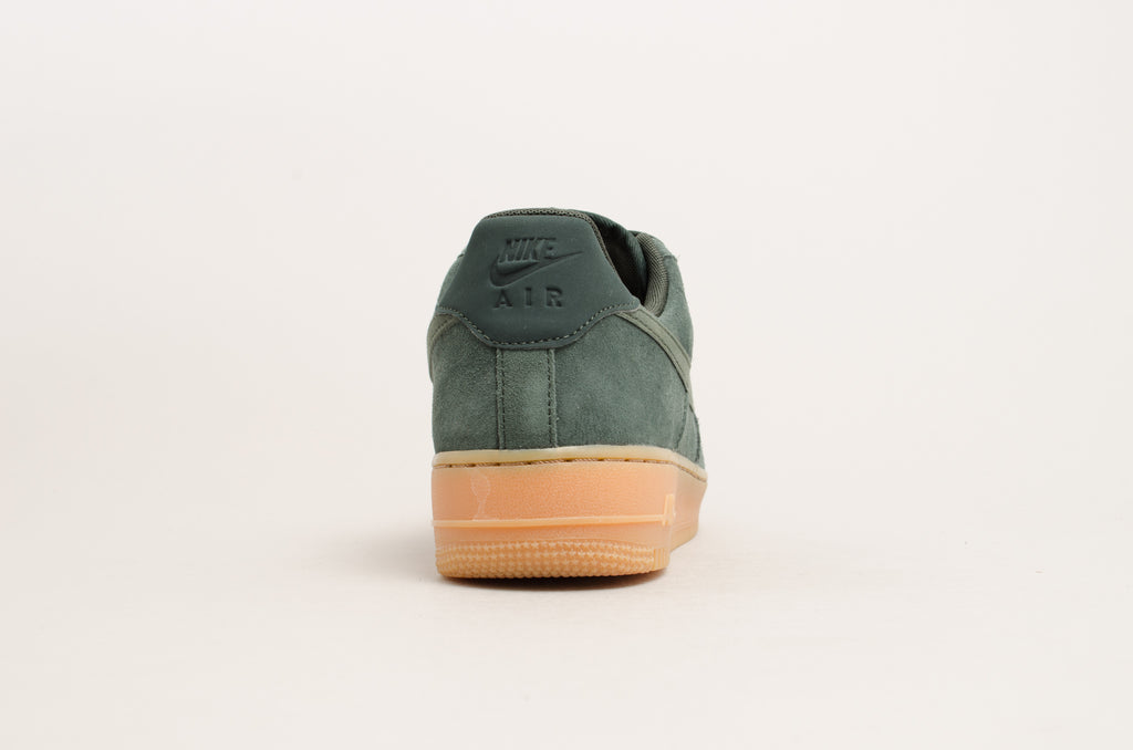 Nike Air Force 1 '07 LV8 Suede Outdoor Green/Gum AA1117-300