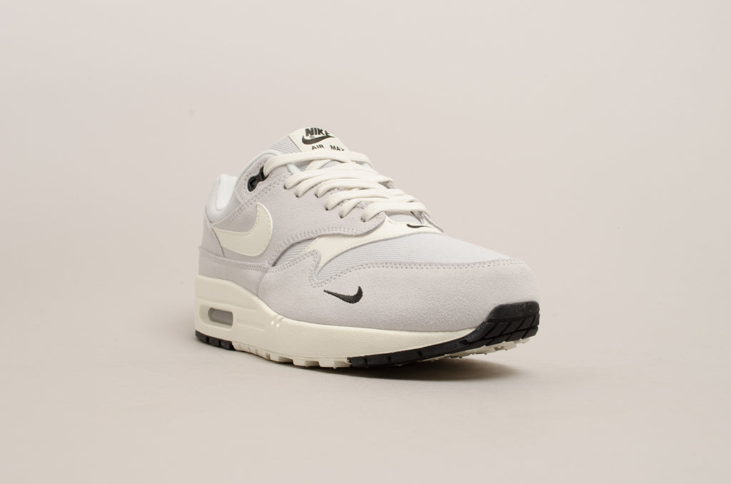 Nike Air Max 1 Premium ( Pure Platinum / Sail / White / Black ) 875844-006