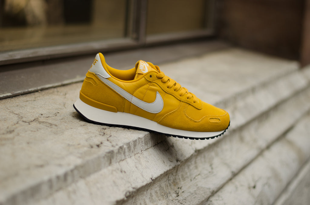 Nike Air Vortex Mineral Yellow / Sail 903896-700