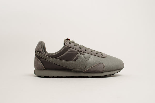 separation shoes 74d95 6ce43 Nike Wmns Pre Montreal Racer Vntg   129 CHF – Seven Sneaker Store