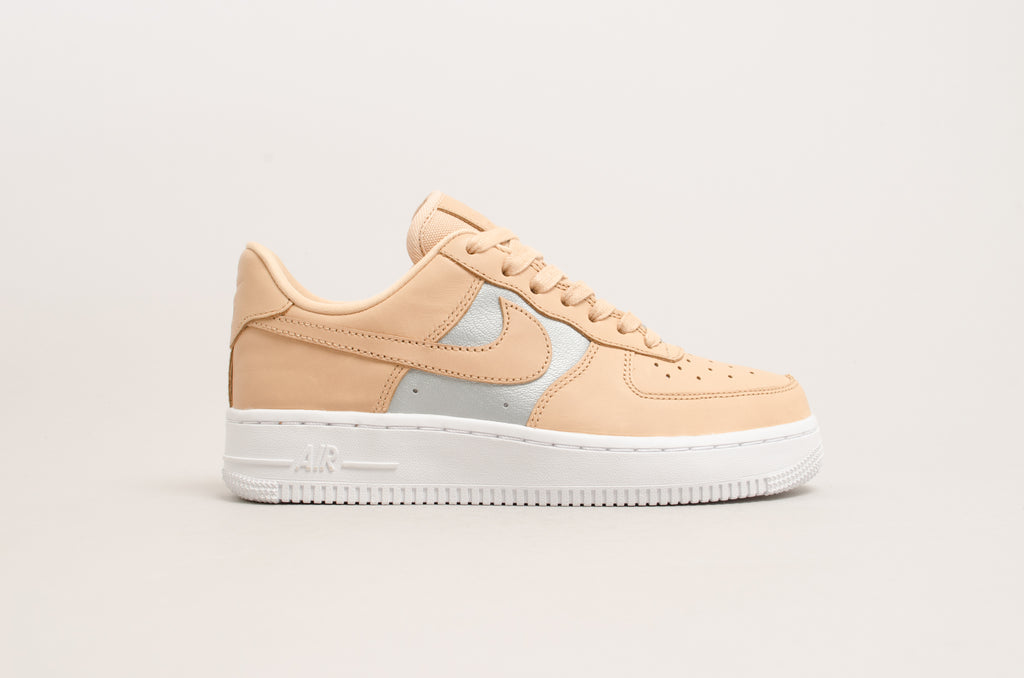 Nike Damen Sneaker WMNS Air Force 1 `07 SE MushroomMushroom