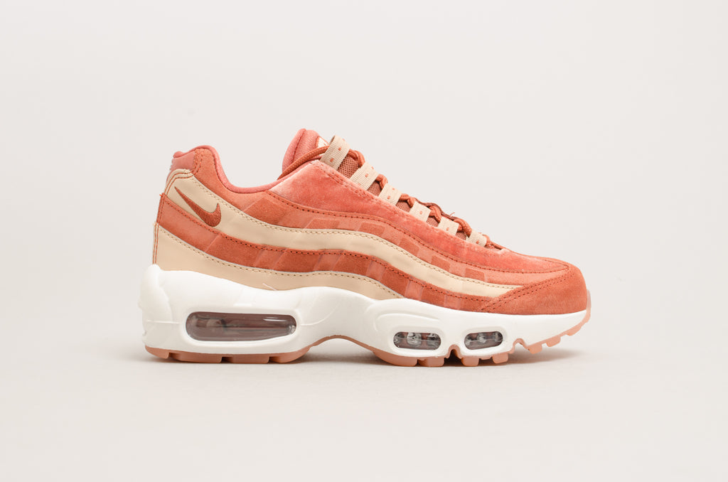 "Nike Women's Air Max 95 Luxe ""Velvet Pack"" Dusty Peach AA1103-201"