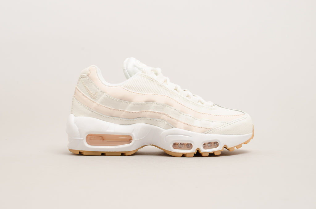 the best attitude f8cfd 2f624 Nike Women s Air Max 95 ( Sail   Guava Ice ) ...