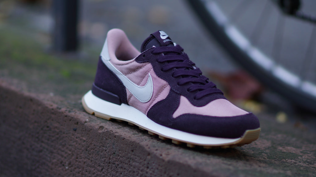 Nike Women's Internationalist Particle Pink/Port Wine 828407-608