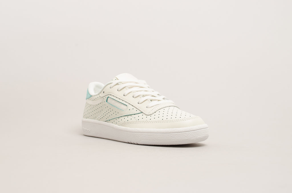 Reebok Club C 85 Popped Perforated ( Chalk / Turquoise ) CM9277