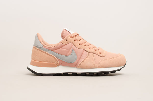 Sevensneakerstore.com Nike Women's Internationalist ( Rose Gold / Grey / White / Black ) 828407-615