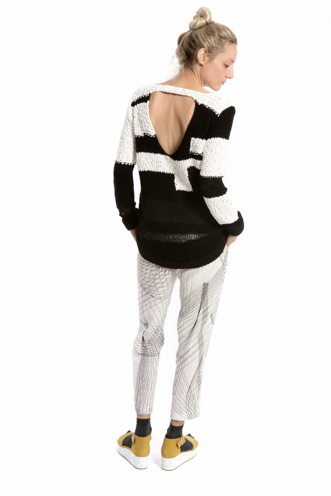 Convertible Hand Knit Sweater White/Black