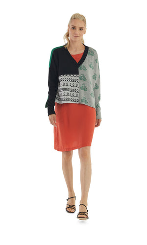 Load image into Gallery viewer, Black Grey Mix Pattern V-Neck Pullover