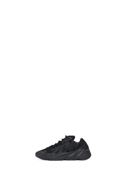 ADIDAS: YEEZY BOOST 700 MNVN INFANTS [BLACK]