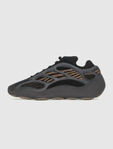 "ADIDAS: YEEZY 700 V3 ""CLAY"" [BROWN]"