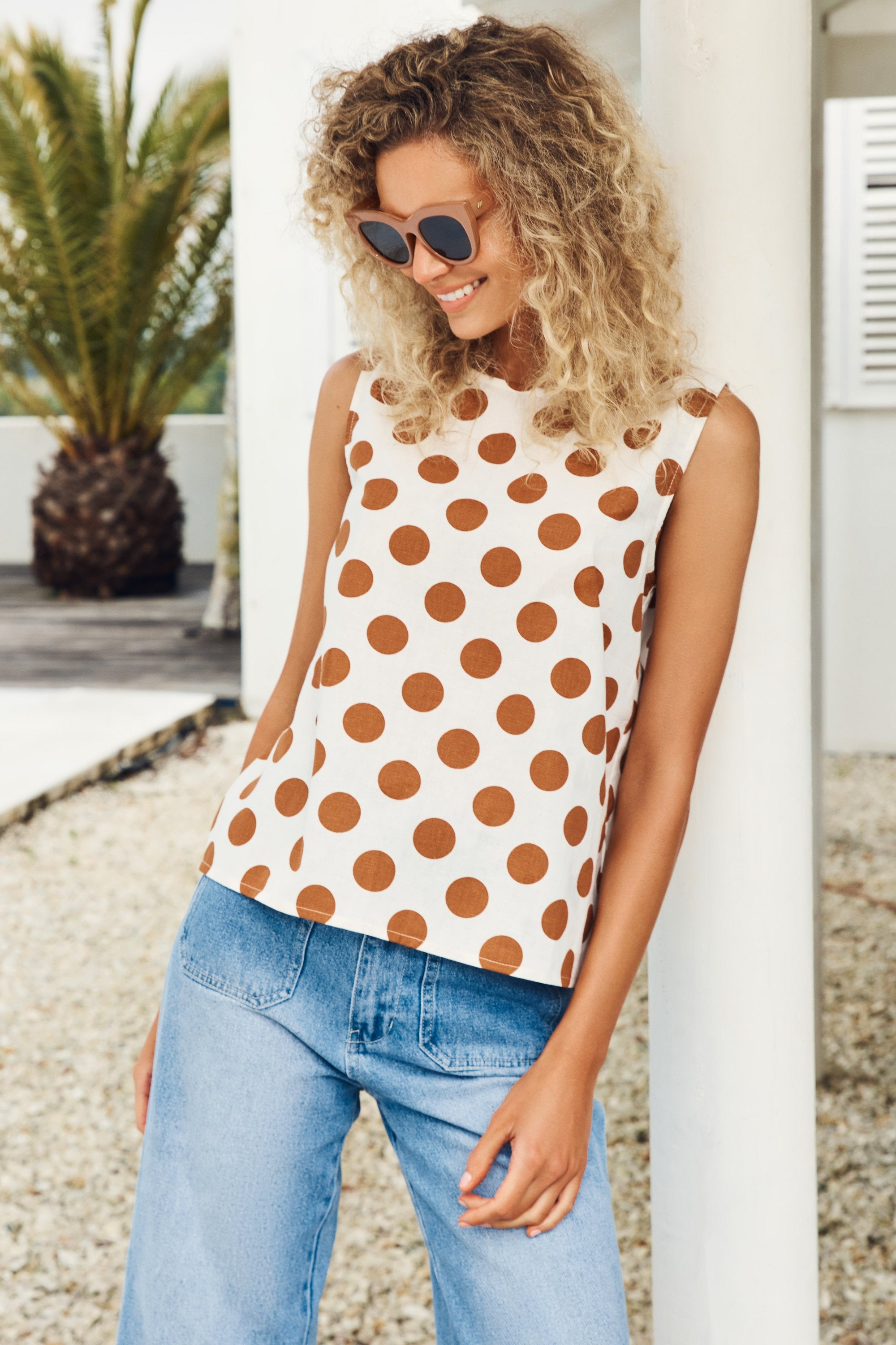 Sim Top In Tan Spot