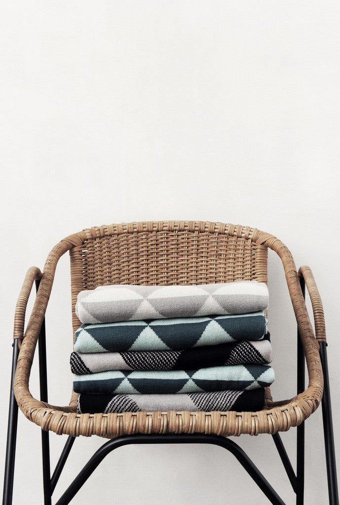 Knitted Blanket - Remix - Grey
