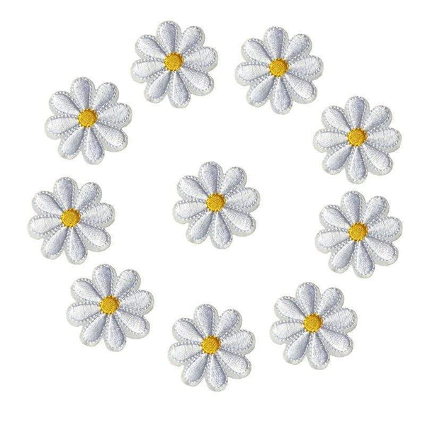 10 Quantity of Small Daisy Flower Iron On Patch Sew On Patch Embroidered Badge Embroidery Applique Motif