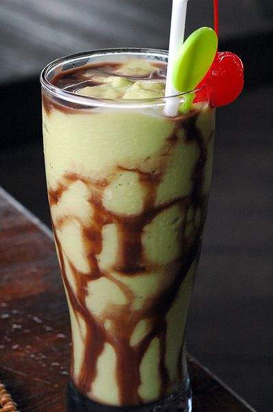Avocado based sweet drink made with chocolate