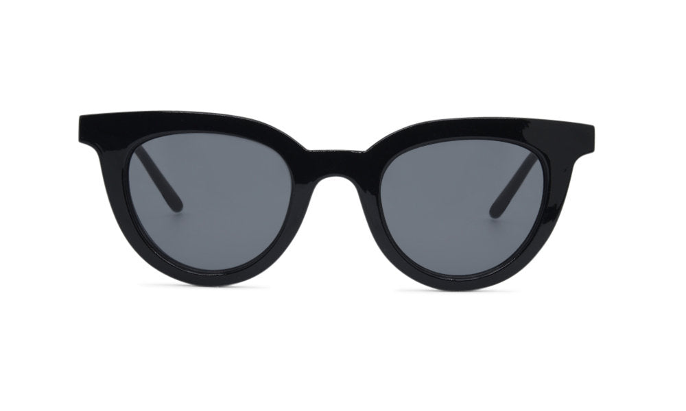 Black trendy glasses