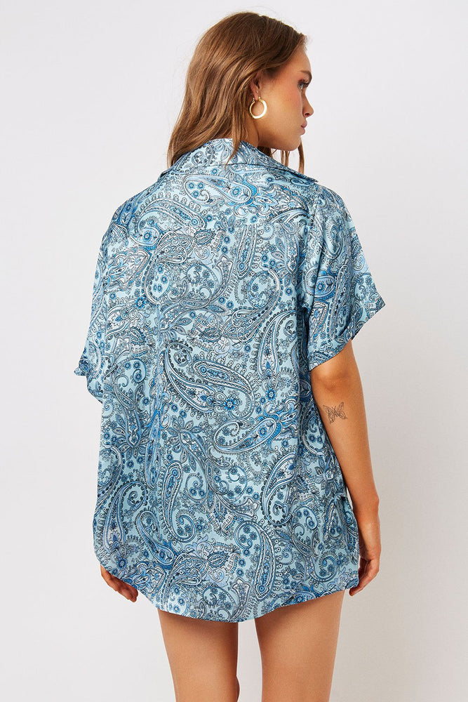 Load image into Gallery viewer, Fifi Silk Blue Paisley Button Up Top