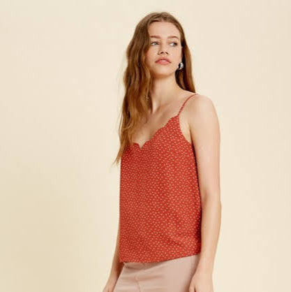 Brick Scalloped Tank