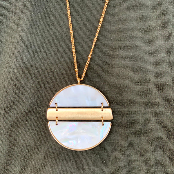 Shell Linked Disc Necklace