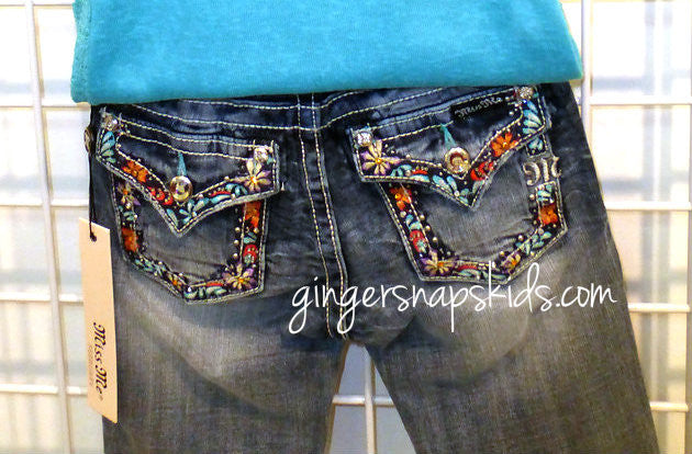 Miss Me Color Embroidered Bermuda Shorts (sz 7-14)