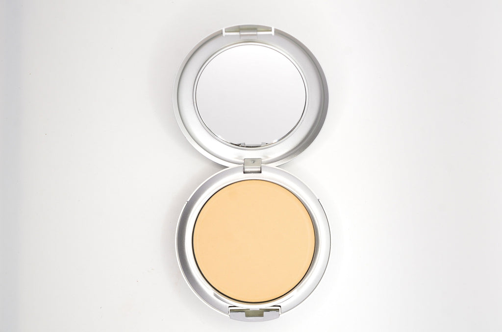 Deluxe Illuminate Pressed Powder - TK's Lashes