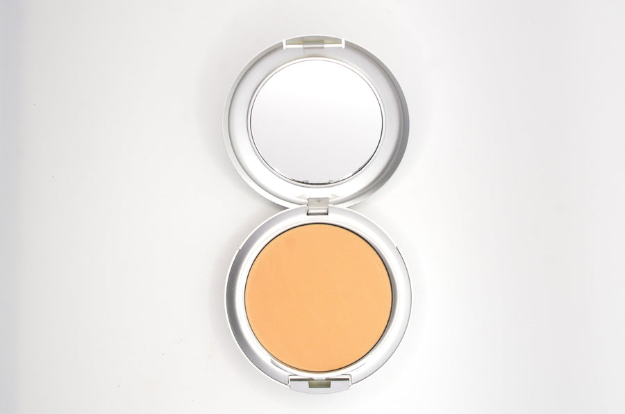 Deluxe Illuminate Pressed Powder - TK's Cosmetics