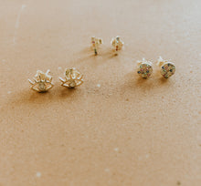 Load image into Gallery viewer, Vibey Sterling Studs Set