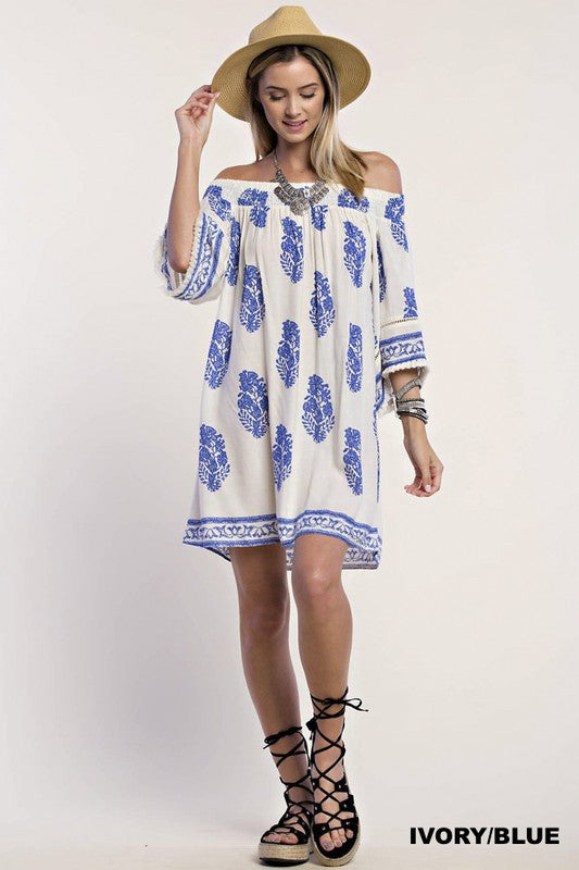 Feather print Off shoulder dress with boarder print - Ivory/Blue
