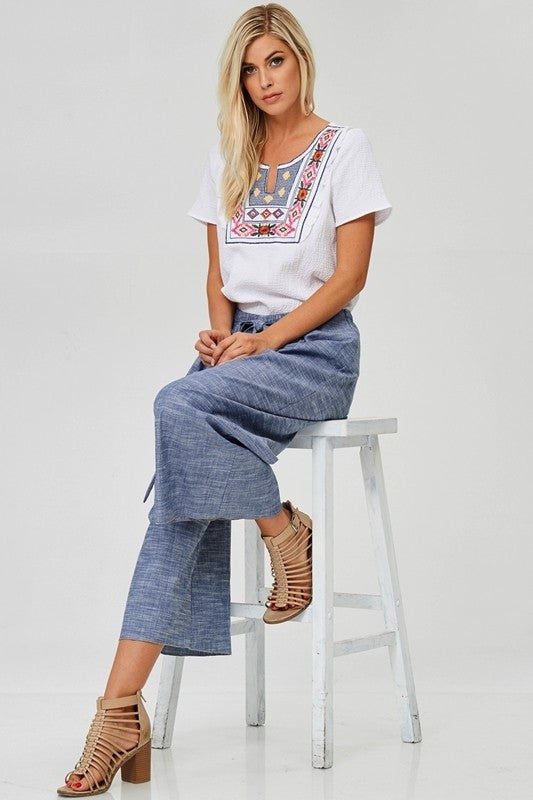 Embroidered bib waffle top in white