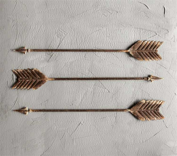 Metal distressed Arrow Wall Decor - Rust