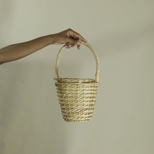 villager vessel, natural wicker