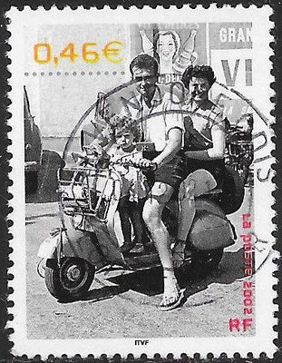 France 2915a Used - ‭20th Century - Photographs of Everyday Life - Family on Motor Scooter