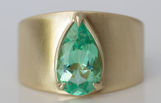 Pear Shaped Colombian Emerald Ring
