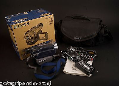 SONY Handycam DCR TRV250 Digital 8mm Video Camera With Case In Great Condition!