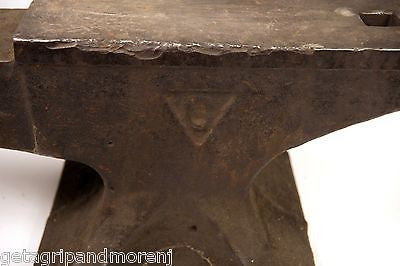 Antique COLUMBIAN Anvil 1905-1927 120 Lbs  Good Condition  RARE!!!