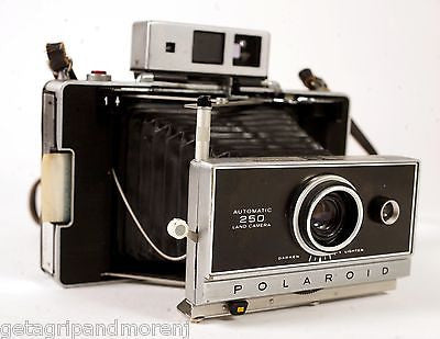 Polaroid Automatic 250 Land Camera with Case & Strap - Vintage!